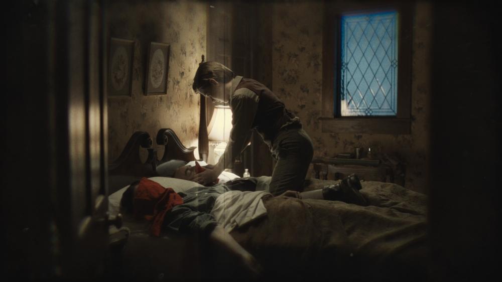 Haunter-2013-Movie-Image-4