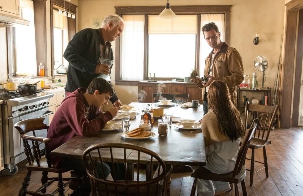 Interstellar-Movie-Review-464422-5