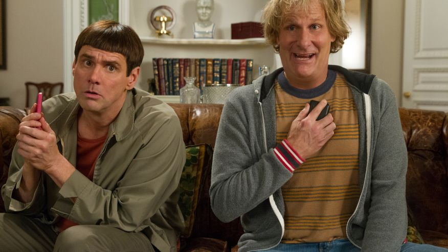 Movie Review: Dumb and Dumber To (2014) – Carrey and Daniels almost pull it off despite a Horrible Script